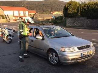 Control de la Guardia Civil de Tráfico en Galicia