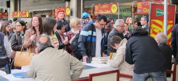 Libros, Libro, Sant Jordi, Parada, Lectores, Escritores, Autores, Diada