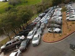 Parking de Tesla en California
