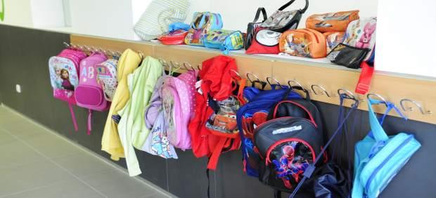 Colegio, material escolar, mochilas, estuches, niños, clase
