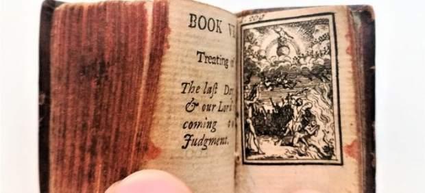 Biblia en miniatura