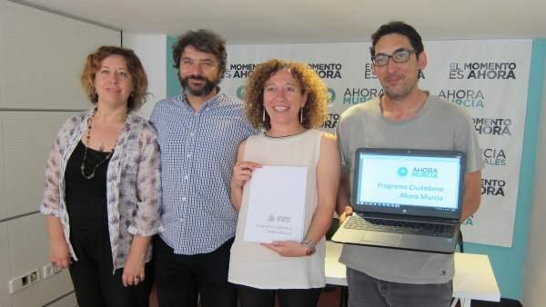 Micol, Alzamora, Alicia Morales y Luis Bermejo (izquierda de la foto).
