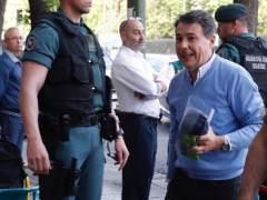 El juez mandó poner un micrófono en el despacho de González