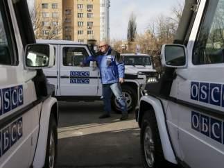 Muere un observador de la OSCE al explotar una mina al paso de su coche en Ucrania