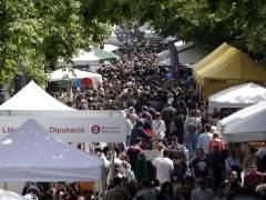 Miles de barceloneses vuelven a inundar las calles del centro de la ciudad