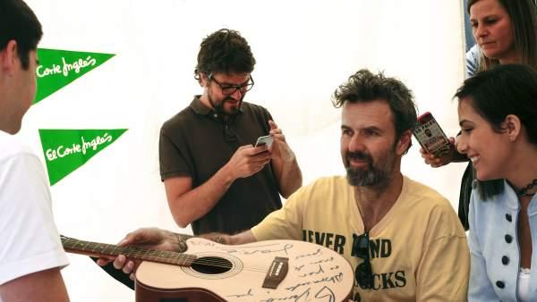 Pau Donés firma discos Sant Jordi