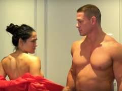 John Cena y su novia Nikki Bella se desnudan en Youtube