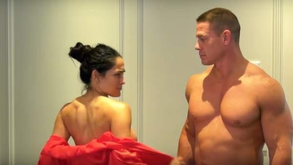 John Cena y su novia se desnudan en YouTube