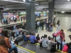 La huelga de Metro obliga a regular las estaciones de Sagrera y Sagrada Família
