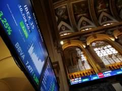 Las Bolsas europeas auguran un triunfo final de Macron y cierran disparadas: el Ibex 35 sube un 3,8% y París, un 4,1%