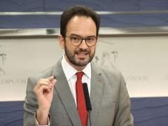 El PSOE rechaza la moción de censura de Podemos