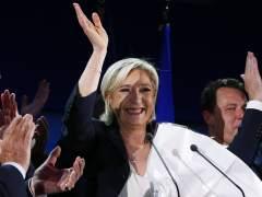 Le Pen se aparta de la presidencia del FN