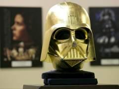 Una joyería de japón vende el casco de Darth Vader de oro