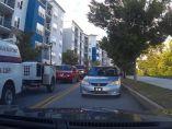 Un coche intenta evitar tráfico