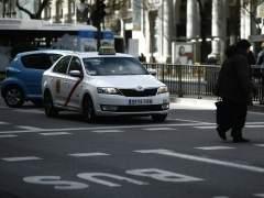"""Los taxistas convocan un paro de dos horas por la """"competencia desleal"""" de Uber y Cabify"""