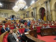 """El Parlament da luz verde a la tramitación exprés de las leyes de """"desconexión"""""""