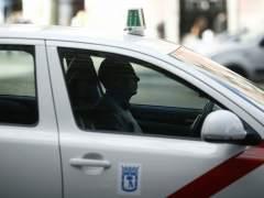 El taxi se manifestará el martes contra Uber y Cabify