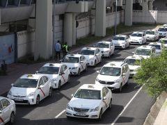 Los taxistas pararán este martes como protesta contra empresas como Uber y Cabify