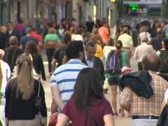 La población en España disminuye en 17.982 personas