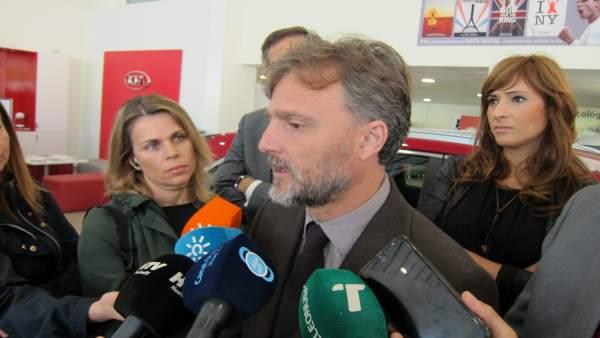 El consejero de Medio Ambiente, José Fiscal.