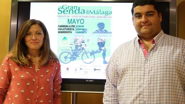 Marina Bravo con el concejal de deportes de fuente de piedra José Enrique Caro