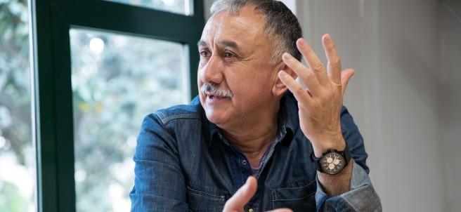 El secretario general de UGT, Pepe Álvarez, en un momento de la entrevista. (ELENA BUENAVISTA)