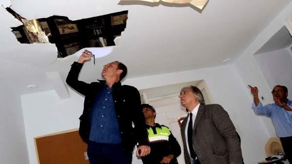La inspección técnica llevada a cabo en las viviendas de la plaza del Arenal