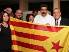 Maduro se fotografía con independentistas catalanes y una estelada