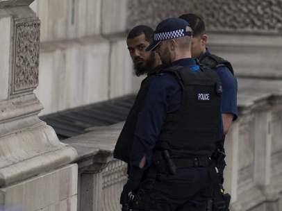 Detenido un hombre con varios cuchillos en las inmediaciones de Westminster