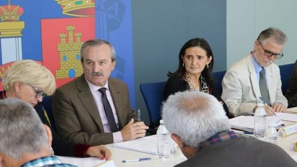 La subdelegada del Gobierno, Asunción Grávalos, reunión Profea.