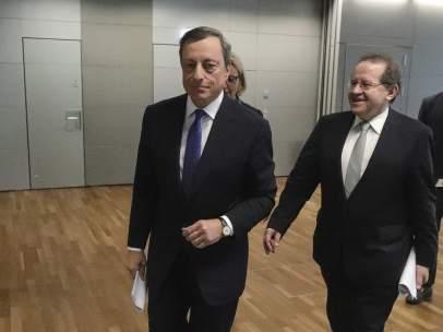 Mario Draghi y Vítor Constancio