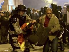 La UE condena el ataque en el Parlamento macedonio