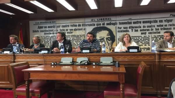 El actor César Vea en el Senado en acto presentación corto y coloquio