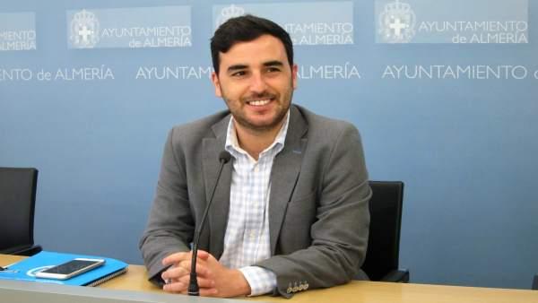 El concejal de Fomento del Ayuntamiento de Almería, Carlos Sánchez (PP)