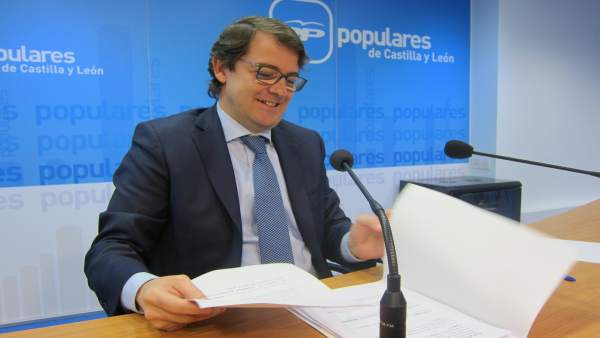 Valladolid. Fernández Mañueco analiza el presupuesto