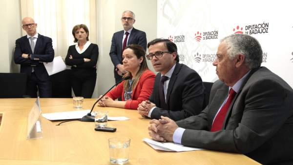 Fotos De La Nota Informativa: El Plan Dinamiza 2017 Destina A Los Municipios Más