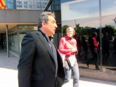 El exalcalde de Sabadell, Manuel Bustos, a la salida de los juzgados