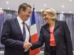 Le Pen teje una inédita alianza con la derecha eurófoba
