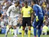 Alves detiene otro penalti a Cristiano