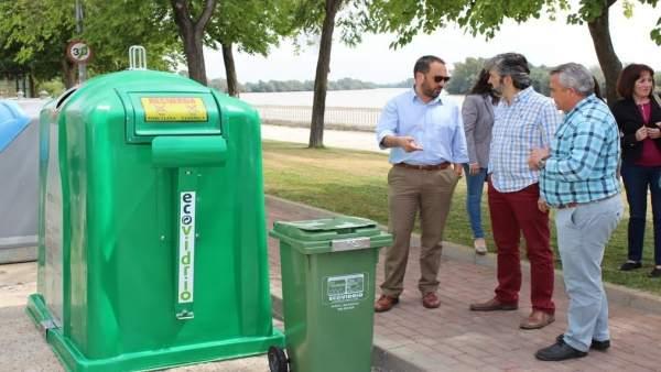 Nuevos contenedores en Coria del Río (Sevilla)