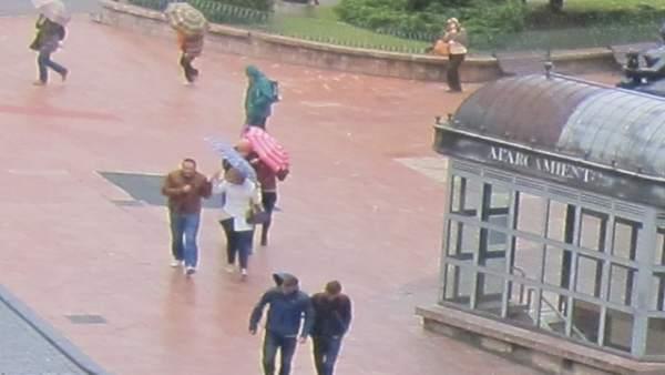 Temporal en Oviedo, viento, lluvia, alerta