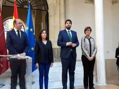 López Miras en su toma de posesión con Sáenz de Santamaría, Peñalver y Sánchez