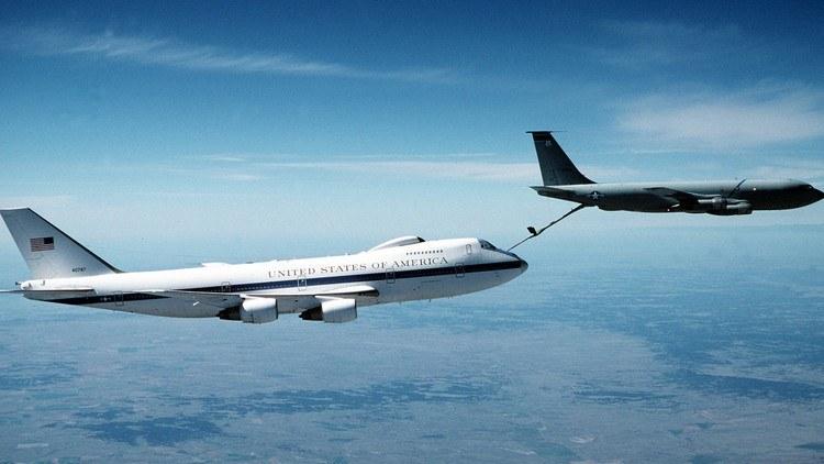 El avi n que protege a trump en caso de guerra nuclear - Que peut on emmener en avion ...