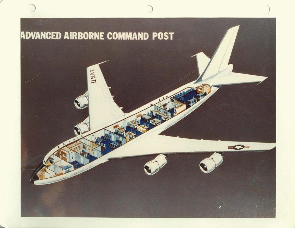 Puesto de Mando Aerotransportado Avanzado, configuración interna de abril de 1976.