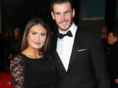 Bale le compra una casa y un coche a su cuñada tras la muerte de su marido