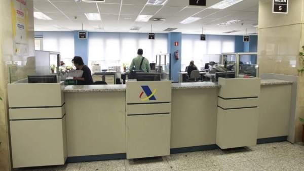 Renta 2016 2017 arranca la atenci n en oficinas de la for Oficina tributaria madrid