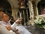 La Policía investiga la aparición de cruces invertidas en un monasterio de Alicante