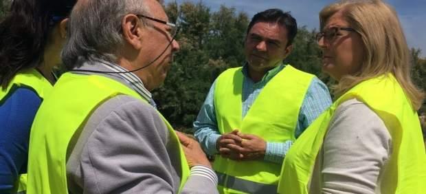 Visita a la intervención que la CHG realiza en el arroyo Salado en Porcuna.