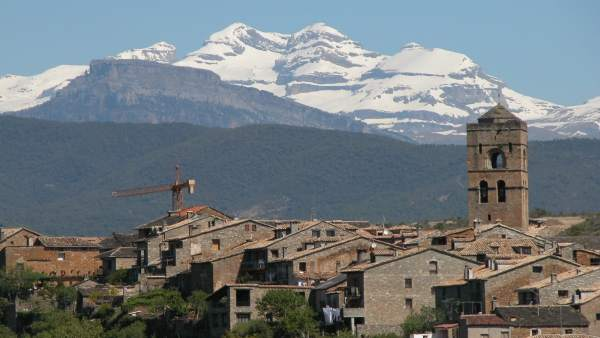 Vista De Aínsa (Huesca)