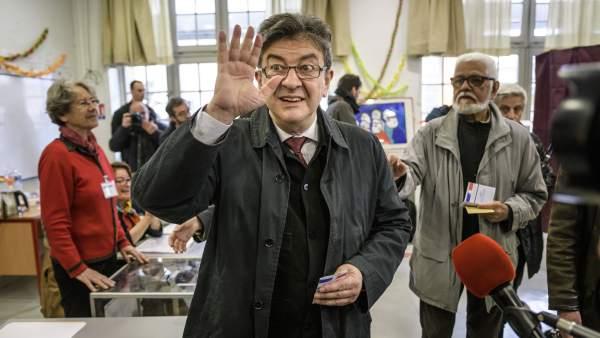 Mélenchon vota en las elecciones francesas
